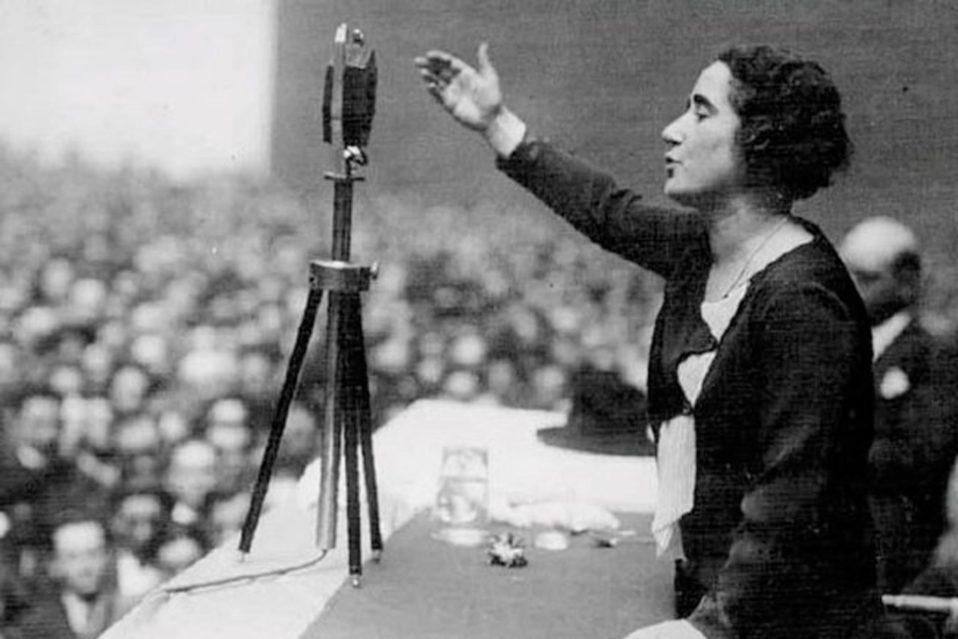 Resultado de imagen de Clara Campoamor (1888-1972)